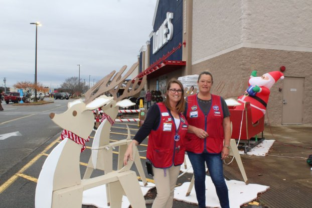 lowe's in franklin decorating contest